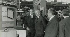Жак Нуаро (на фото слева)