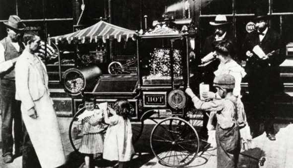 История попкорницы